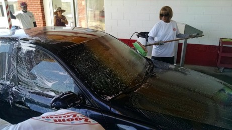 Car windshield cleaning